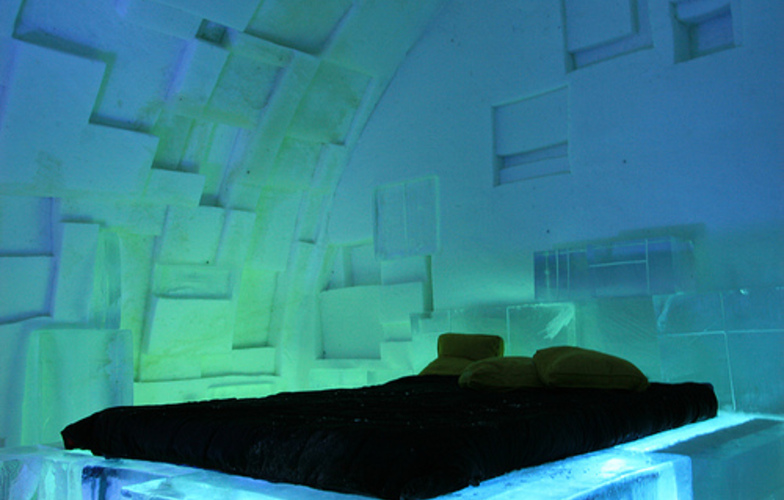 Extra_large_hotel_de_glace