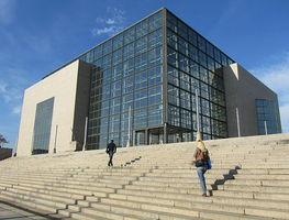 Small_640px-national_and_university_library_in_zagreb