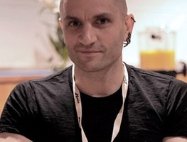 Small_extra_large_400px-china_mieville