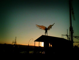 Small_old_man_with_wings