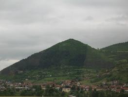 Small_piramida_u_visokom