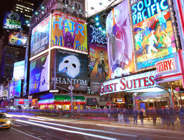 Small_1200px-times_square_1-2