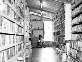 Small_too_many_books