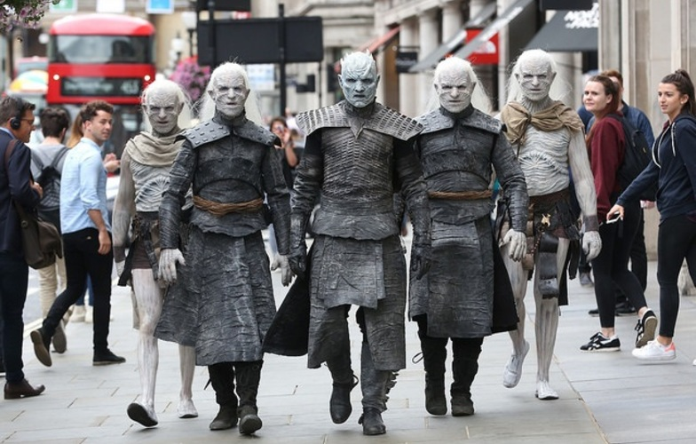 Extra_large_white_walkers