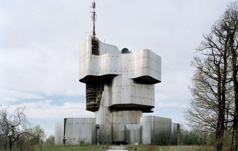 Extra_large_973px-petrova_gora_monument