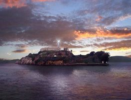 Small_alcatraz_island_at_sunset2