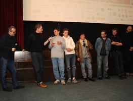 Small_goran_devic____petar_milat_i_protagonisti_filma_na_vodi