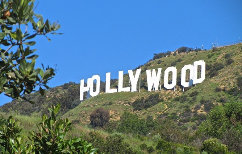 Extra_large_hollywood