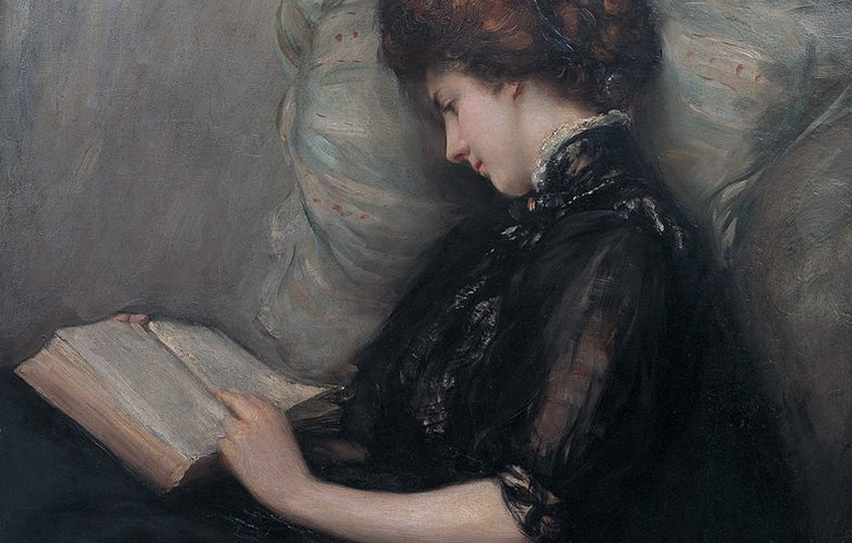 Extra_large_lady_reading_poetry_by_ishibashi_kazunori__shimane_art_museum_