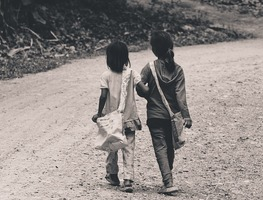 Small_children-kids-girls-walking-people-road-2560833