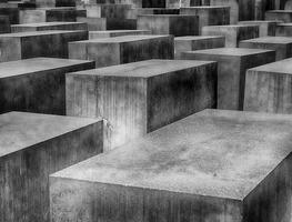 Small_holocaust-1621728_1280