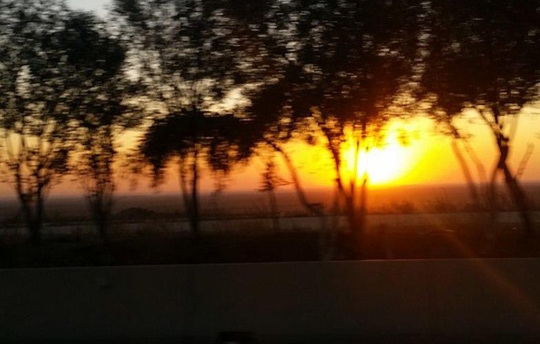 Extra_large_sun_set_algeria_hightway_esteast__2_