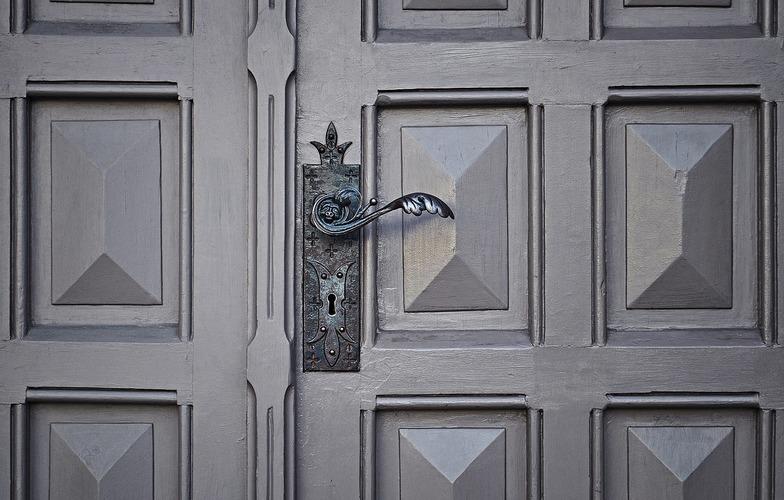 Extra_large_door-690704_1280