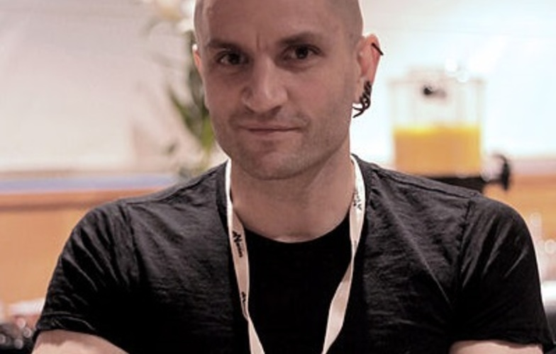 Extra_large_400px-china_mieville