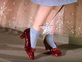 Small_judy-garland-ruby-slippers-ht-mem-180904_hpembed_23x15_608