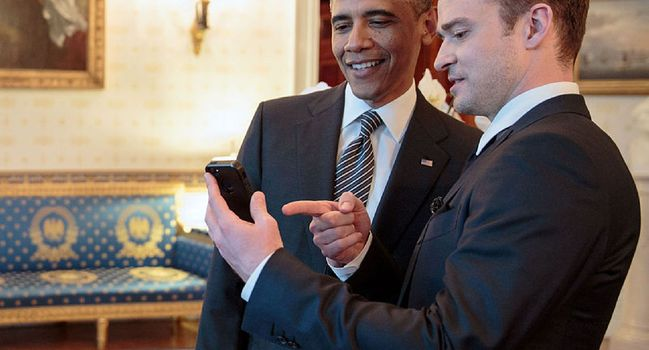 Wide_justin_timberlake_and_barack_obama_at_the_white_house_-_2
