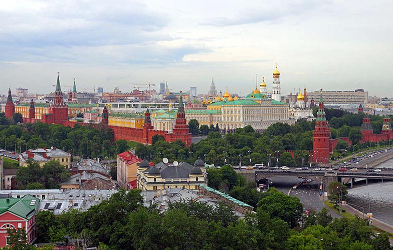 Extra_large_800px-moscow_05-2012_kremlin_22