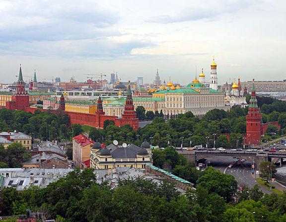 Large_800px-moscow_05-2012_kremlin_22
