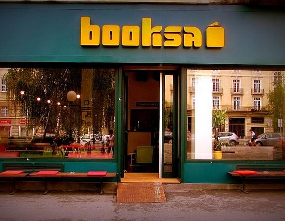 Large_booksa_otvorena_002
